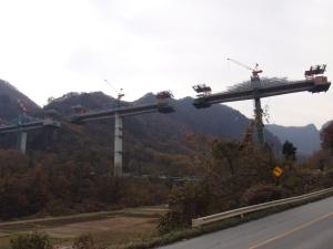 国道付け替え橋の橋梁