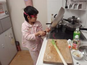 朝ご飯を作るまる